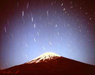 富士と北斗七星